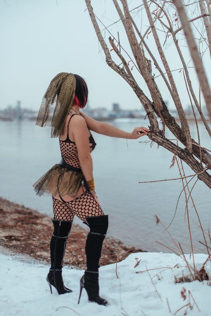 Проститутка Ксения, 33 года, метро Домодедовская